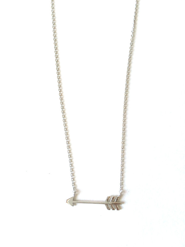 Mini Arrow necklace silver